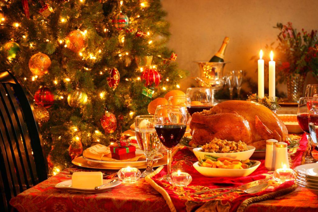 Hrana in prazniki – nasveti kako ohraniti težo med prazniki